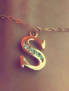 cute hand for S letter whatsapp dp images hd